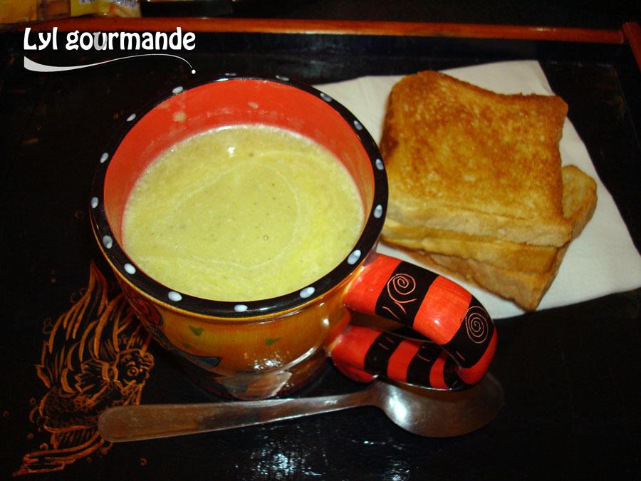 Soupe courgette-société